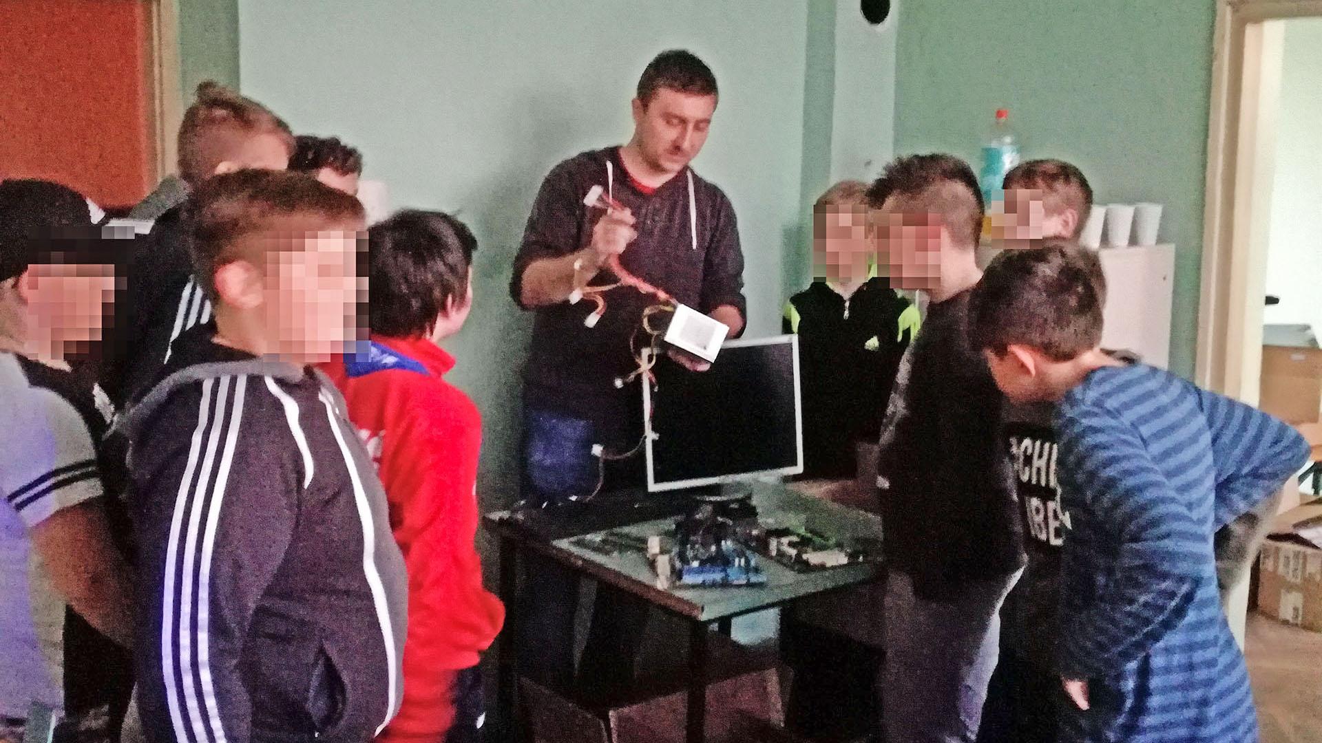 Prvo informatičko predavanje u Tomašici